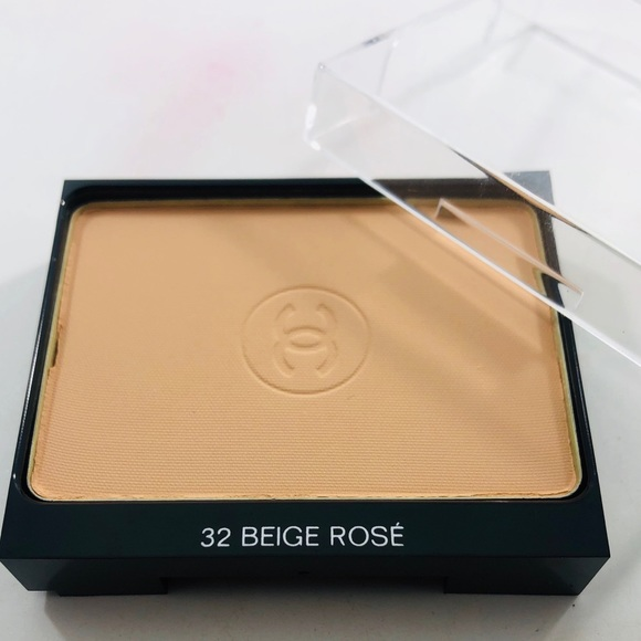 CHANEL Other - Chanel Ultra Tenue Compact Powder Foundation